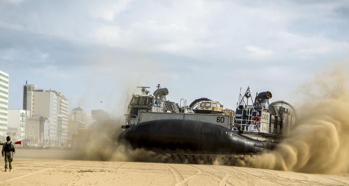 Landing Craft, Air Cushion 60 lands on the beach in Virginia Beach, Va. | Military Times >>