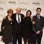 Honoree Leslie Gelb with his family